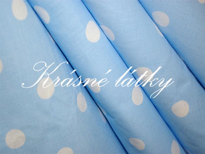 Bílé puntíky 1,7cm- světle modrý podklad š. 150cm