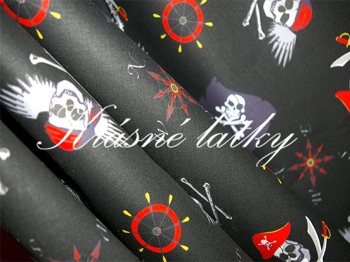 Piráti - sytě černý podklad 100% značková metráž,š.140cm